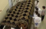 Concluido en el IAPH el estudio del manto procesional de la Santísima Virgen